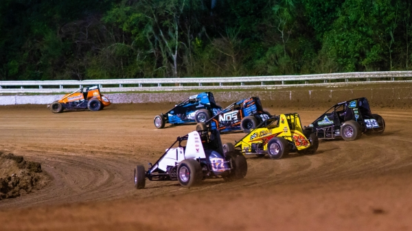 THE STORYLINES: I-55 RACEWAY USAC SPRINTS ON SUNDAY