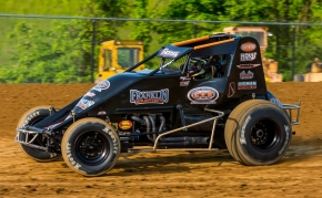 Winner Kevin Thomas, Jr. in action at Brownstown Saturday night.