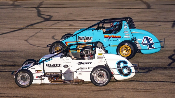 #6 Kyle Hamilton and #40 David Byrne