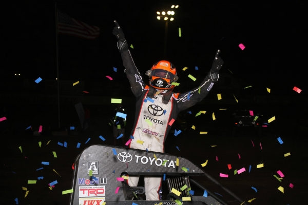 BELL OUTDUELS LARSON IN TURKEY NIGHT CLASSIC AT VENTURA