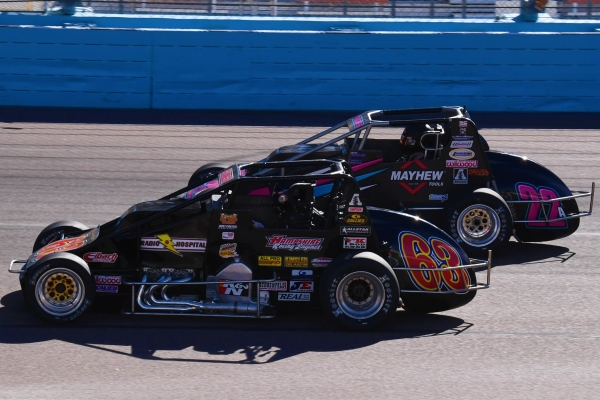 SANTOS GOES BACK-TO-BACK IN PHOENIX SILVER CROWN OPENER