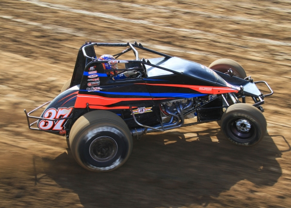 Matt Mitchell won the most recent AMSOIL USAC/CRA Sprint race.
