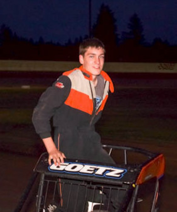 Chase Goetz is the 2013 Honda Washington Ignite Midget Champ.