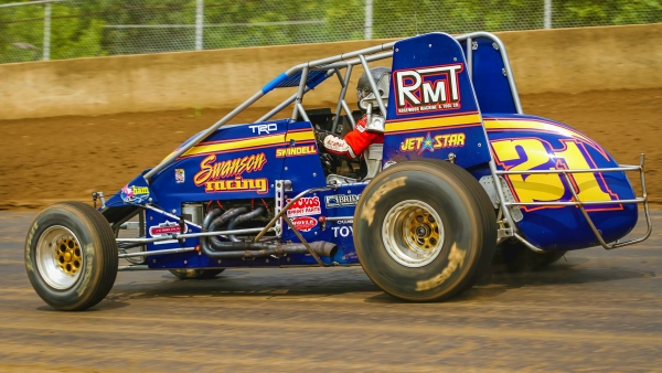 #21 Jeff Swindell, a winner at both the Indy and Du Quoin miles, seeks his first win at the Springfield mile in this Sunday's Bettenhausen 100 at the Illinois State Fairgrounds.