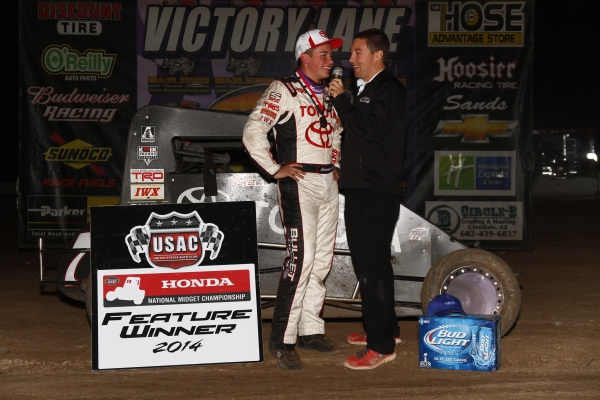 "BELL ASCENDS TO TOP SPOT IN NIGHT 2 ""WESTERN WORLD"" MIDGET FEATURE"