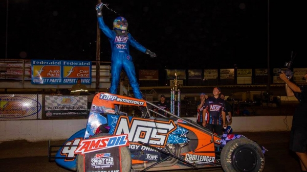 Justin Grant was victorious for the second time in as many nights in Sunday's USAC AMSOIL National Sprint Car feature at Federated Auto Parts Raceway at I-55.