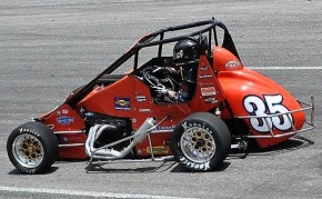 Andrew Layser leads the USAC Eastern Midget Championship heading into this Saturday's race at Caraway.