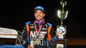 Chris Windom won his first Gas City I-69 Speedway USAC AMSOIL National Sprint Car feature in his 20th try at Thursday night's James Dean Classic.