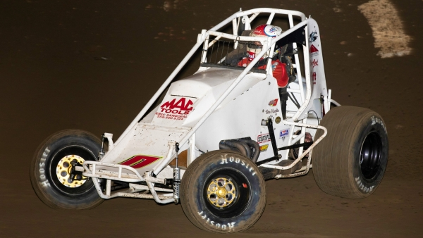 Bud Kaeding (Campbell, Calif.) earned ProSource's Passing Master Award for the Oval Nationals.