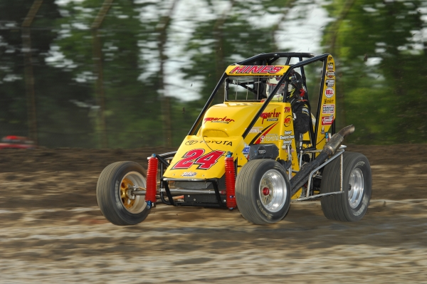 The dirt will fly when the Midgets invade Tri-City Speedway Friday.