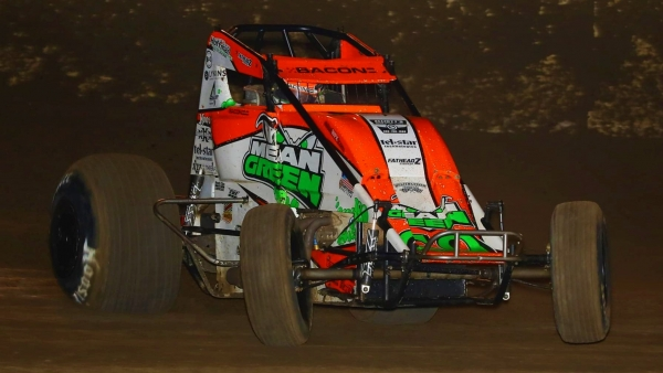 Brady Bacon won for the second straight night at Perris Auto Speedway on Friday during the Oval Nationals.