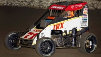 Jesse Colwell (#71) was the fastest in Wednesday's Turkey Night midget practice at California's Ventura Raceway.