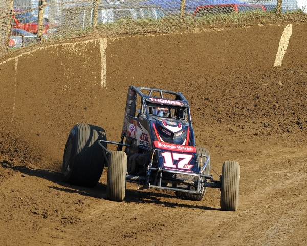Kevin Thomas, Jr. won his fifth AMSOIL National Sprint Car race of the year on Sunday at Lawrenceburg.