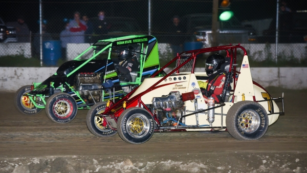 Brandon Piastka & Manny Dias battle for position with the USAC DMA series at Vermont's Bear Ridge Speedway.